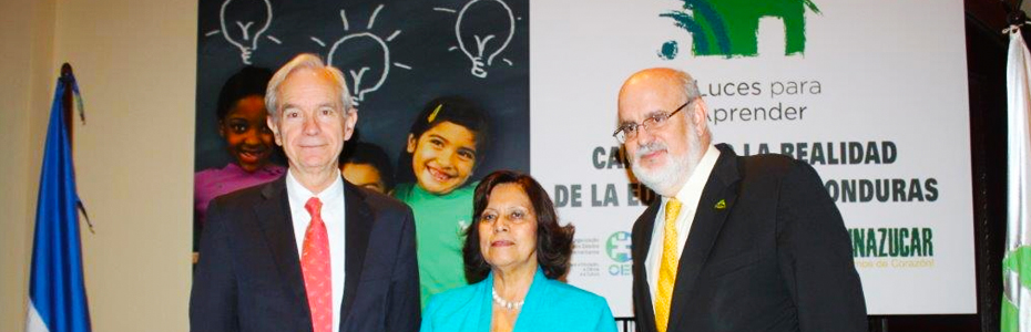 """Lanzamiento de Luces Para Aprender: """"Cambiando la realidad de la Educación en Honduras"""""""